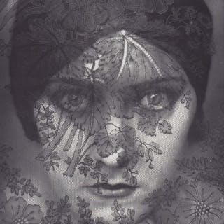 Edward Steichen (1879-1973)- Gloria Swanson, 1924