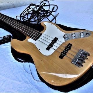 Johnson - Bass - E-Bass - Korea - 1995
