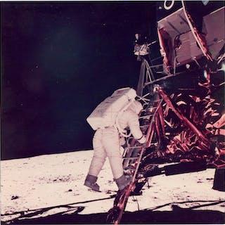 Neil Armstrong/NASA - AS11-40-5868 -Astronaut Buzz Aldrin