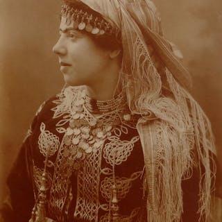 Attr. Alexandre Bougault fils (1875-1950) - Portrait de femme, Biskra