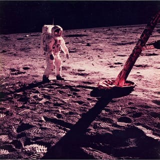 NASA - AS11-40-5902 - Buzz Aldrin walks on the surface of the moon