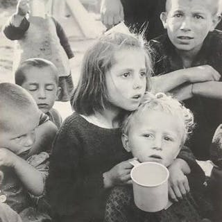 David Seymour 'Chim' (1911-1956)/Magnum - Groupe enfant, c.1948
