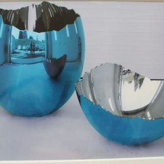 Jeff Koons - >Cracked Egg