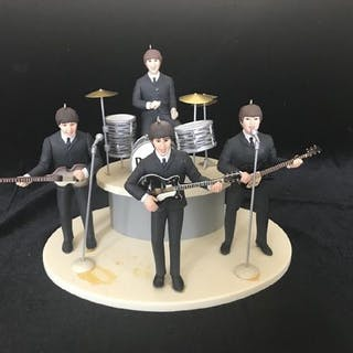 Beatles - Hallmark Christmas Ornament Set with stage and...