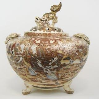 Vase, Potiche - Censer - Signed (1) - Satsuma - Porcelain - Foo dog