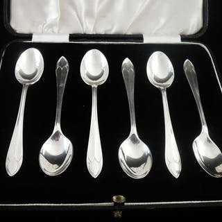 Set mit 6 Art Deco Kaffeelöffeln im Etui - .925 Silber...