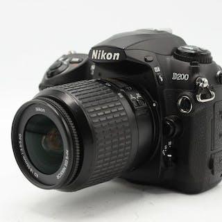 Nikon D200 body met AF-S DX Nikkor ED 18-55mm f/3.5-5.6G objectief