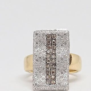 18 kt. Yellow gold - Ring 1.48 ct 130 diamonds