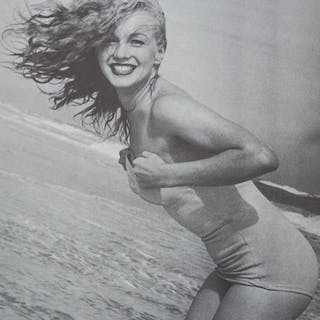 Andre de Dienes (1913-1985) - Marilyn Monroe, Tobay beach, California, 1949