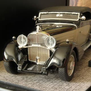 Franklin Mint - 1:24 - Maybach Zeppelin 1939