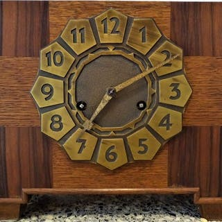 Amsterdamer Schule Art-Deco-Uhr - Junghans-Pfeilenkreuz - Bronze