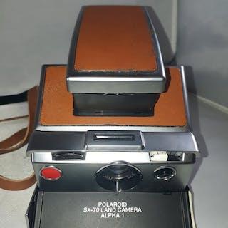 Polaroid SX-70 LAND CAMERAALPHA 1