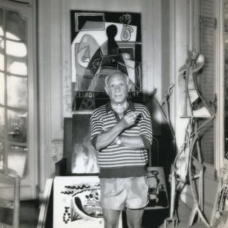 George Stroud/France Soir - Pablo Picasso in his villa