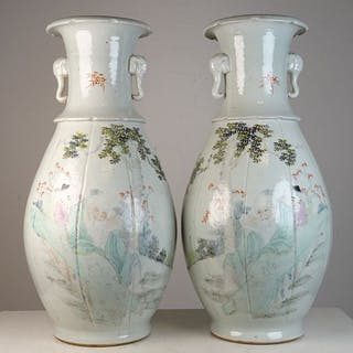 Pair of vases - Porcelain - China - Early 20th century