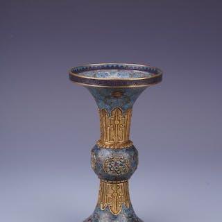 Vase - Enamel - Lotus flower - AN IMPERIAL STYLE...
