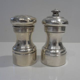 Silver pepper mill and salt shaker (2) - .925 silver...