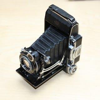 Zeiss Ikon SUPER IKONTA 531/2 / synchro compur / opton tessar 105/3.5