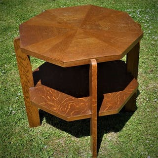 achteckiger niedriger Tisch (1)