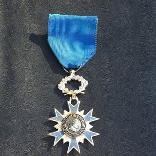 France - Médaille de chevalier Ordre national du Mérite...