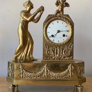 Mantel clock - Gilt bronze - 19th century