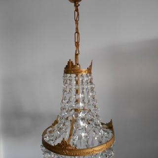Bellissimo lampadario tascabile in cristallo barocco