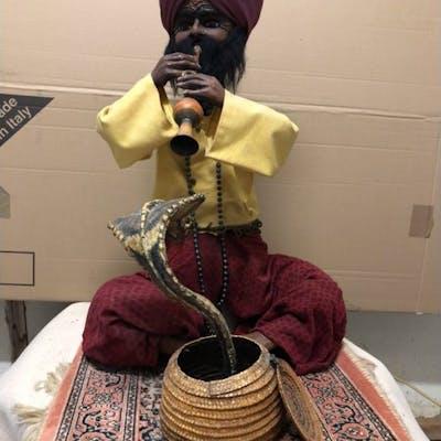 autre - Personnage Fakir  Charmeur de serpent