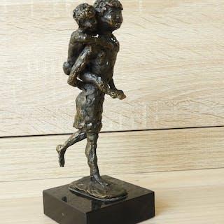 Astrid Veldhuyzen-Koppen - Atelier in Beeld - Skulptur, Mutter ANF Kind