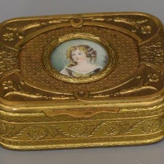 Coffret à bijoux  - Laiton doré et miniature signée  - Début du XXe siècle