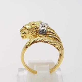 18 kt. White gold, Yellow gold - Ring - 0.03 ct Diamond - Emerald, Rubys