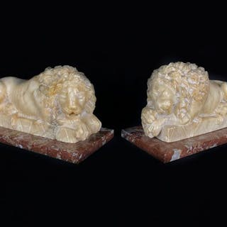 After Canova - Pair of Hand Sculpted Lions (2) - Alabaster