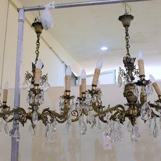 Paar Bronze Kronleuchter mit Kristallen. - Louis Philippe Stil