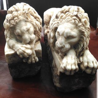 Stunning pair of lions in marble and stone powder