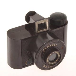 "G.P.M. NESA  Fotonesa very rare italian subminiature ""red"" bakelite camera"