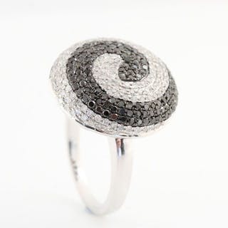 14 kt. White gold - Ring - Colour Treated 1.65 ct Diamond
