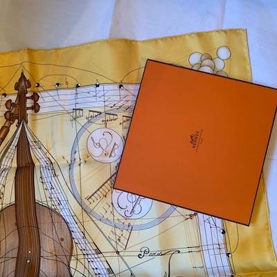 Hermès - Musique  des  spheres Hermes Scarf nuovo mai usato con scatola  Sciarpa