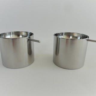 Arne Jacobsen - Stelton, Cylinda-Line - 2 x Aschenbecher ́s mit Drehplatte