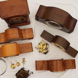 Tischuhren, Pedulen, Uhren und div. Teile - Holz - 20. Jahrhundert