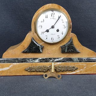 Tabletop clock - Yellow marble - early 1900s