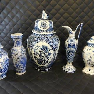 5 x Delft style-3 vasi con coperchio-1 brocca (5) - Ceramica