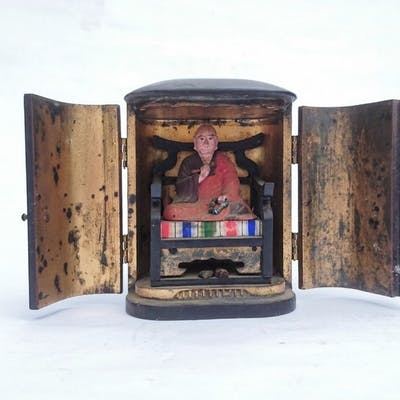 Buddhist zushi- Gilt
