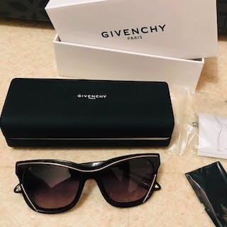 Givenchy - Luxe Lunettes de soleil