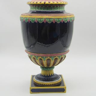 Brown-Westhead Moore and Co - Vase (1) - Earthenware