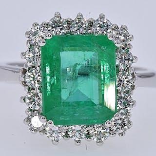 18 kt. White gold - Ring - 4.05 ct Emerald - Diamonds