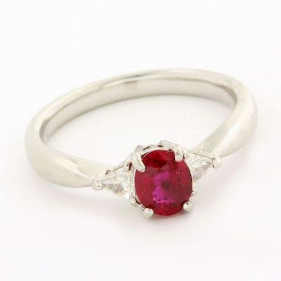 Platinum - Ring - 0.78 ct Ruby - Diamond