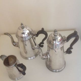 Coffee and tea service (3) - .800 silver - Italy - First half 20th century