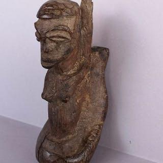 Personnage (1) - Bois - Reclining figure - Lobi - Burkina Faso