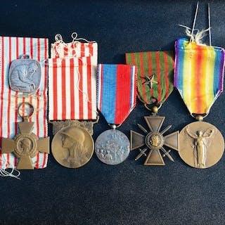 Frankreich - Lot Französische Medaillen des Krieges 1914...