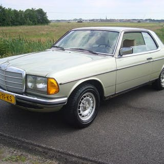 Mercedes-Benz - 230CE Coupe W123- 1981