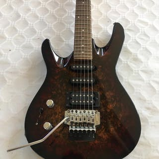 Washburn - KC40 - Guitare Solid body - Corée du Nord - 1990