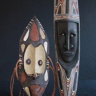 Masken aus Tambanum (2) - Holz - Chambri-See, Papua-Neuguinea